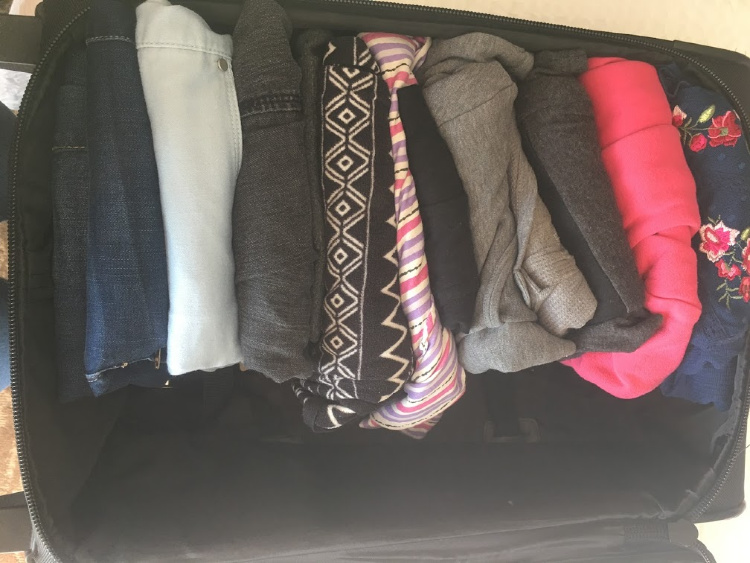 how pack suitcase tips